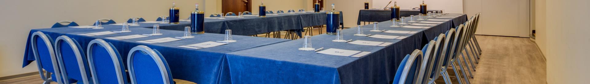 Sala Per Congressi Blu A Verona In Hotel 4 Stelle Bw