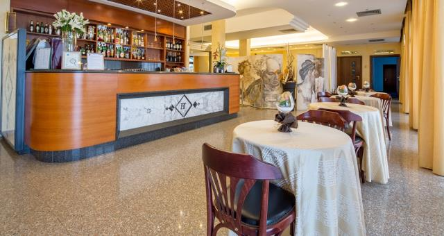 Enjoy a relaxing time at our hotel bar