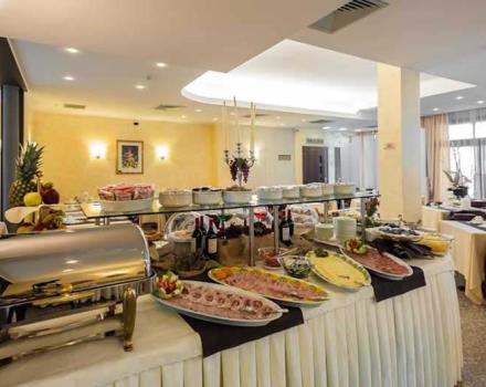 A rich breakfast buffet with organic and gluten-free products awaits in San Martino Buon Albergo