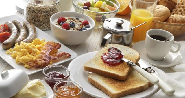 Come to Hotel Turismo Verona and try our extensive breakfast buffet at the special price of Euro 1.