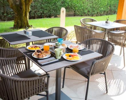Enjoy a hearty garden breakfast at Best Western Hotel Turismo in Verona!